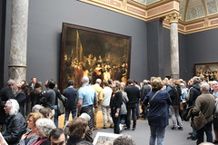 Watching Rembrandt's  Night Watch (Davydutchy) Tags: art netherlands schilder amsterdam museum painting march kunst nederland national painter rijksmuseum paysbas rembrandt nightwatch niederlande claudius maler cuypers 2016 gemlde nachtwacht civilis