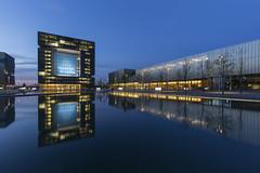 Das ThyssenKrupp Quartier zur blauen Stunde (Jrgenshaus) Tags: night deutschland essen clear nrw spiegelung blauestunde thyssenkruppquartier ruhrgebiert canonef1635mm14lis