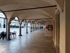 Portici  a Piazza del Popolo (giorgiorodano46) Tags: italy september marche ascoli piazzadelpopolo ascolipiceno settembre2014 giorgiorodano