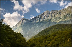 Durch die Berge (BM-Licht) Tags: lake nikon natur bled slowenien slowenia lakebled d7000 bledersee