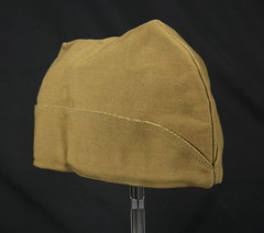 Lightweight Army cap (Madison Historical Society) Tags: old usa history museum photo costume clothing interesting nikon uniform flickr shot image connecticut interior military country wwi shoreline picture newengland ct indoor worldwari madison historical inside antiques academy greatwar firstworldwar route1 mhs conn bostonpostroad nikond600 leeacademy madisonhistoricalsociety connecticutscenes madisonhistory bobgundersen
