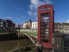 red_6752-100216 (Peadingle) Tags: bridge red river box telephone bridgwater parrett