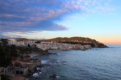 Un dia gris (Albert T M) Tags: sunset atardecer catalonia catalunya costabrava nuvols postadesol palafrugell catalogne mediterrani capvespre calelladepalafrugell baixempordà