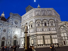 Florence Cathedral (Il Duomo di Firenze) at dusk (chibeba) Tags: city vacation urban italy holiday heritage history architecture florence spring europe cathedral unesco worldheritagesite april oldcity 2016 citybreak