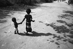 (Kals Pics) Tags: life boy people blackandwhite india girl monochrome kids pov sister brother perspective colorless tamilnadu roi villagepeople cwc villagelife rurallife ruralindia villupuram indianvillages gramam arasur ruralpeople rootsofindia kalspics chennaiweelendclickers vizhupuram