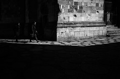 Ku'Damm - Berlin LVII (Sebastian Jacobitz) Tags: street blackandwhite bw berlin 28mm streetphotography ii kudamm ricohgr kurfrstendamm