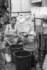We made sauce (Job Homeless) Tags: blackandwhite hongkong streetphotography jordan f2 58mm helios44m monochorme streetsnap canon6d