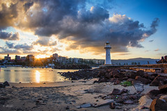The old lighthouse.. (e0nn) Tags: ocean sunset pentax harbour steev wollongong 1017mm da1017mm nikfilters steveselby steveselbyphotography pentaxk3