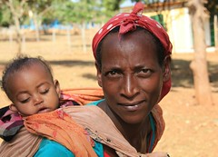 (claudiophoto) Tags: africa woman children getty mission protrait ethiopia etiopia africanprotrait