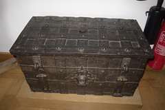Medieval chest (quinet) Tags: germany chest 2012 truhe strongbox coffre castleroad burgenstrase