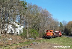 CMRR Extra 42 East at Route 28A, Hurley, NY (ovondrak) Tags: newyork diesel ge hurley catskillmountains ulstercounty catskillmountainrailroad