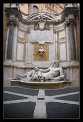 Marforio, Musei Capitolini @Roma (brunombo) Tags: tamronaf18250mmf3563diiildasphericalifmacro tamron pentax justpentax viaggio travel piacere leisure marforio statua statue scultura sculpture arte art white bianco roma rome italia italy museicapitolini