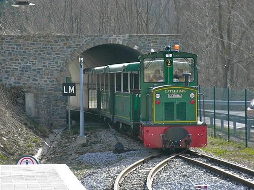 Carrilet entrant a l'estació de la Pobla de Lillet