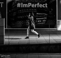 street_stuttgart-1522 (Joe M. Photography) Tags: street city people urban blackandwhite white black graffiti blackwhite stuttgart strasse human 0711 streephotography stuggi strassenfotografie strasenfotografie