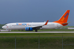 A0036_012 (Vince Amato Photography) Tags: canada quebec montreal commercial boeing saintlaurent sunwing b737800 b738 cyul trudeauinternationalairport cflsw