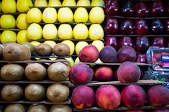 Fruta (Christian Gonzlez Vern) Tags: mxico mercado naucalpan lumixgx1 lumixg20f17 mercadodesanbartolo