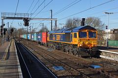 66729 Ipswich Station (Gridboy56) Tags: uk railroad england train suffolk gm trains locomotive railways ipswich locomotives containers liner class66 emd derbycounty railfreight gbrf hamshall 66729 4m23