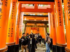 Shashin - DSCN3369 (Mathieu Perron) Tags: life city bridge people japan temple nikon kyoto shrine perron daily journey   mp japon personne jinja ville fushimiinari gens vie mathieu tera   sjour  quotidienne    p520  zheld