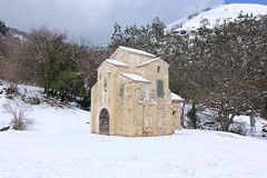 OVIEDO - LA IGLESIA DE SAN MIGUEL DE LILLO EN INVIERNO (mflinera) Tags: miguel de san nieve iglesia asturias oviedo lillo prerromanico