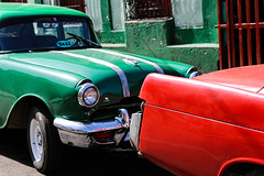 Red 'n' Green (Cornelli2010) Tags: red green rot cars colors cuba oldtimer autos grn cienfuegos kuba redgreen rotgrn canonef2470mm128l canoneos5dmarkiii