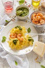 IMG_8695_exp-2 (Helena / Rico sin Azcar) Tags: pasta basil pesto shrimps gambas albahaca tallarines