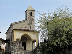 Verbania Suna - Piemonte, Italia. (frank28883) Tags: lagomaggiore lungolago suna lakemaggiore chiesetta verbania lacmajeur verbanocusioossola
