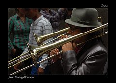Suenan melodias (Javier Madrigal11) Tags: portrait people person persona ecuador gente retrato personas persons msico jmadrigal