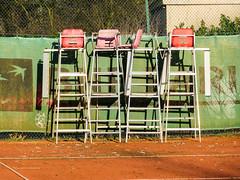 Temps libre - Time-out (CORMA) Tags: brussels belgium belgique bruxelles tenniscourt 2016 umpireschair courtdetennis chaisedarbitre