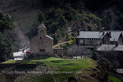 Andorra rural: La Massana, Vall nord, Andorra (lutzmeyer) Tags: pictures history primavera rural sunrise spring dorf village photos roman religion pueblo abril chapel images fotos april 500mm sonnenaufgang unten historia andorra bilder pyrenees frühling pirineos pirineus pyrenäen imatges poble frühjahr vallnord romanesquearchitecture anyos sispony sortidadelsol canoneos5dmarkiii livingrural esglesiasantcristofoldanyos lamassanaparroquia lutzmeyer lutzlutzmeyercom