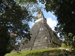 "Tikal: le Temple 1 ou Temple du Grand Jaguar <a style=""margin-left:10px; font-size:0.8em;"" href=""http://www.flickr.com/photos/127723101@N04/26211490676/"" target=""_blank"">@flickr</a>"