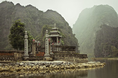 River Shrine (galushchak) Tags: travel nature landscape march vietnam 2016 ninhbinh northvietnam galushchak rivershrine