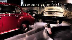 Il piccolo fotografo (Fabio Enrico Spagnoli) Tags: cars museum mercedes child stuttgart camion passion mercedesbenzmuseum