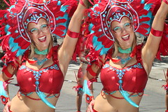 IMG_8435 (tam3d) Tags: tam3d carnavalsf carnavalsf2018 carnaval sfcarnaval sf missiondistrict parade festival costume dancer samba model models portrait fashion sanfrancisco 3d stereoscope stereophotography stereoimage crosseyed crossview loreo people party