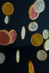 Suspensión cítrica (fanycidad) Tags: fruits experiments orange lime lemon fotografíadeproducto project artistic composition colorful