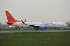 Here is SunWing Airlines C-FJVE (shumi2008) Tags: sunwingairlines sunwing737 boeing738 b737800 toronto pearsonairport torontopearson yyz cyyz
