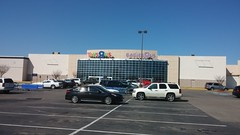 """Parting Wide Shot (Retail Retell) Tags: toys""""r""""us memphis tn commons wolfcreek wolfchase galleria concept 2000 exterior geoffrey giraffe retail liquidation closing bankruptcy going out business former toy store toys r us shelby county babies babies""""r""""us"""
