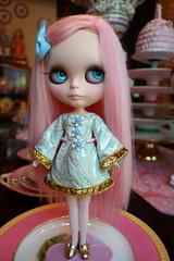 Pink and Glittering Gold! (Primrose Princess) Tags: ooakblythe customblythe blythe doll takara pinkalpacareroot kaleidoscopekustoms dolly fashion couture pink gold primroseprincess dollydreamland