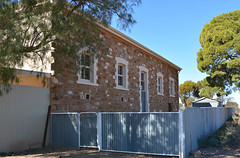 Side view showing original wall of the Hammond Institute, South Australia (contemplari1940) Tags: hammond institute hall saradunstan builders railway line wirths circus