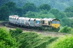 66172. (wagn1) Tags: britishrailclass66 class66 generalelectric cocodieselelectriclocomotives diesellocomotives electromotivediesel emd ews dbschenker locomotives trains freighttrains newtonstloe bath somerset