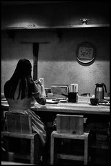 Kaorya Soba, Ebisu, Shibuya-ku, Tōkyō-to (GioMagPhotographer) Tags: tōkyōto peoplesingle girl shibuyaku ebisu eastofthesun dining leicam9 japan japanproject tokyo tkyto