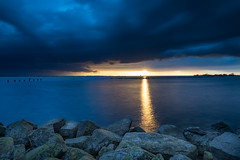 Storm is coming! (karindebruin) Tags: haringvliet hellevoetsluis nederland quackgors thenetherlands voorneputten zonsondergang zuidholland clouds sunset water wolken