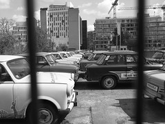 Trabi World (Franco & Lia) Tags: street fotografiadistrada photographiederue berlin berlino deutschland germany germania trabant trabi trabiworld biancoenero schwarzundweiss noiretblanc blackandwhite