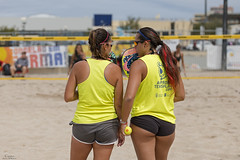 Beach Tennis (Paulo Calafate) Tags: canon5dmarkiv canonef70200mmf28lisiiusm beachtennis players women beach sand