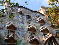 Casa Batllo, Barcelona (M McBey) Tags: casabatlló barcelona building gaudi architecture