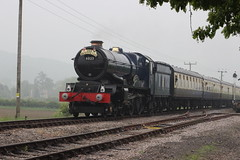 The King 6023 arriving at Toddington (372Paul) Tags: toddington broadway cheltenham hailes foremarkehall po kingedwardii 6023 5197 s160 7903 6430 pannier dmu cotswoldfestivalofsteam gloucestershirewarwickshirerailway steam locomotive class20 class26 shunter