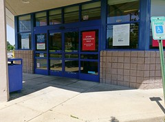 The same doors, as seen in 2018 (l_dawg2000) Tags: 2013 closed desotocounty drugstore gnc goodmanrd greetingcards healthbeauty hornlake labelscar mississippi ms outofbusiness pharmacy retail riteaid unitedstates usa