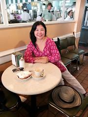 Cafe du Monde (RachBox) Tags: cafedumonde neworleans beignets cafe au lait