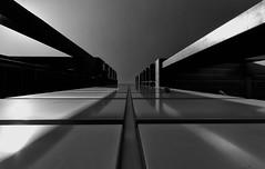 _TPK0840-sfex (Tom Putzke) Tags: architektur front fassade monochrom schwarz weiss deutschland clouds wolken himmel sky wetter luft air köln cologne colonia kölsch einfarbig black white geometrisch linien flächen fassaden oberfläche symetrie