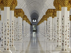 Sheikh Zayed Mosque 3 (RobertLx) Tags: architecture building city religion islam muslim mosque temple white emirates abudhabi asia uae middleeast symmetry corridor column perspective sheikhzayedmosque