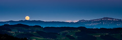 Rolling Moon (uhu's pics) Tags: xf90mmf2 nature panorama light shine switzerland mountains hill night evening full moon xp2 xpro2 fujifilm fuji silhouette licht leuchten schweiz emmental berge hügel nacht abend vollmond mond dämmerung mondaufgang moonrise